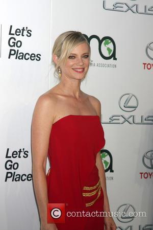 Amy Smart - 25th annual Environmental Media Awards at Warner Brother Studios Lot - Arrivals at Warner Brothers Studio Lot...