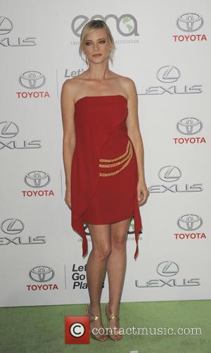 Amy Smart - 25th annual Environmental Media Awards at Warner Brother Studios Lot - Arrivals - Los Angeles, California, United...