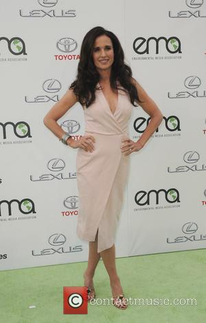 Andie MacDowell - 25th annual Environmental Media Awards at Warner Brother Studios Lot - Arrivals - Los Angeles, California, United...