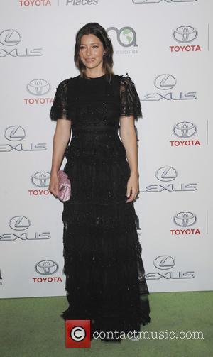 Jessica Biel - 25th annual Environmental Media Awards at Warner Brother Studios Lot - Arrivals - Los Angeles, California, United...