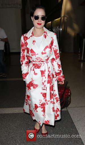 Dita Von Teese - Dita Von Teese arrives on a flight to Los Angeles International Airport (LAX) - Los Angeles,...