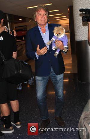 Ken Todd - Lisa Vanderpump arrives on a flight to Los Angeles International Airport (LAX) - Los Angeles, California, United...