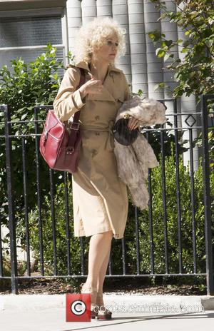 Maggie Gyllenhaal - On Location with The Deuce at NYC - New York, New York, United States - Monday 26th...