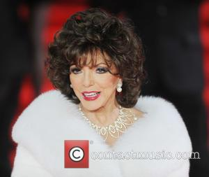 Joan Collins - Royal film performance of 'Spectre' at Royal Albert Hall at Royal Albert Hall - London, United Kingdom...