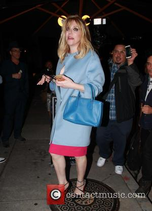 Courtney Love - Courtney Love leaving Craig's Restaurant in West Hollywood at West Hollywood - Los Angeles, California, United States...