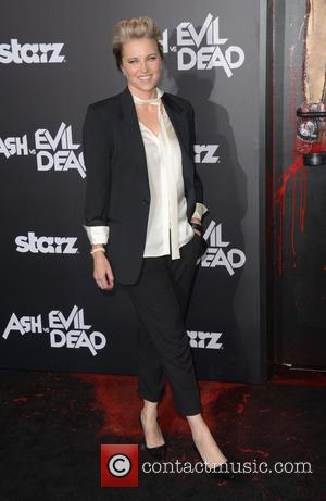 Lucy Lawless - STARZ presents the Los Angeles premiere of 'Ash Vs Evil Dead' - Arrivals at TCL Chinese Theatre...