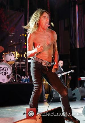 Iggy Pop Pays Tribute To Bowie At Tibet House Gig