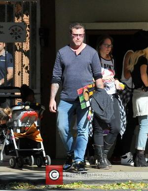 Dean McDermott - Tori Spelling, Dean McDermott, and their kids Hattie and Finn McDermott leave a school Halloween parade -...