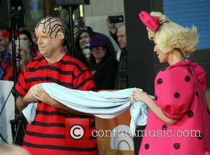 Carson Daly , Savannah Guthrie - Halloween 2015: Good grief! The 'TODAY' show gang goes 'Peanuts' at the Rockefeller Plaza...