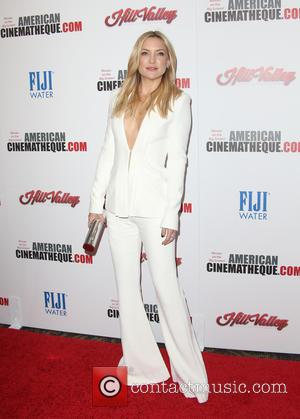 Kate Hudson - 29th American Cinematheque Award honoring Reese Witherspoon - Arrivals at the Hyatt Regency Century Plaza - Los...