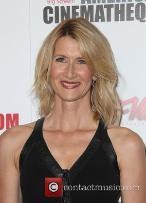 Laura Dern - 29th American Cinematheque Award honoring Reese Witherspoon - Arrivals at the Hyatt Regency Century Plaza - Los...