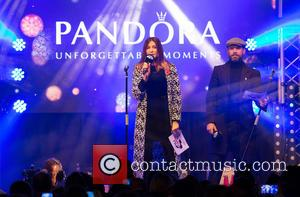 Lisa Snowdon , Dave Berry - Oxford Street Christmas lights switch on at Oxford St, London. - London, United Kingdom...