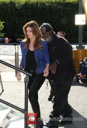 Cindy Crawford - Cindy Crawford and daughter Kaia Gerber seen at 'Extra' in Los Angeles at Universal Studios Hollywood -...