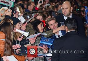 Liam Hemsworth and Fans