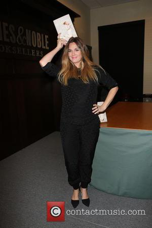 Drew Barrymore - Drew Barrymore Signing copies of her new book, Wildflower at Barnes & Noble located at The Grove...