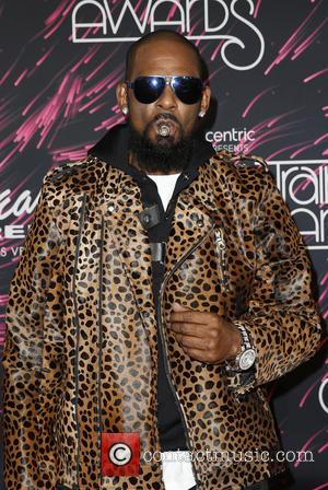 "R Kelly Says Social Media Campaign Is ""Too Late"" To Stop Him"