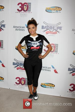 Eva Longoria - Bat 4 Hope Celebrity Softball Game at Dodger Stadium - Los Angeles, California, United States - Saturday...
