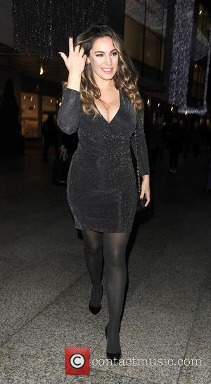 Kelly Brook - Kelly Brook enjoys an evening at Ping Pong restaurant in Westfields White City. She was joined by...