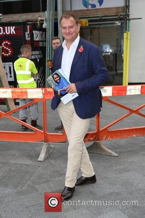 Hugh Bonneville - Hugh Bonneville leaves Capital Radio - London, United Kingdom - Wednesday 11th November 2015