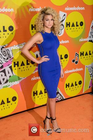 Tori Kelly - Nickelodeon Halo Awards 2015 at Pier 36 - Arrivals - New York, United States - Saturday 14th...