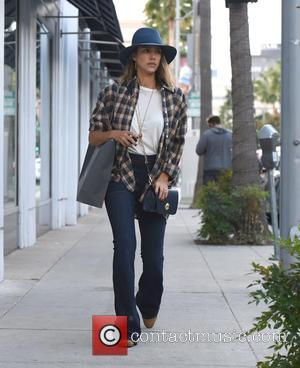 Jessica Alba - Jessica Alba does some shopping in Beverly Hills - Los Angeles, California, United States - Sunday 15th...