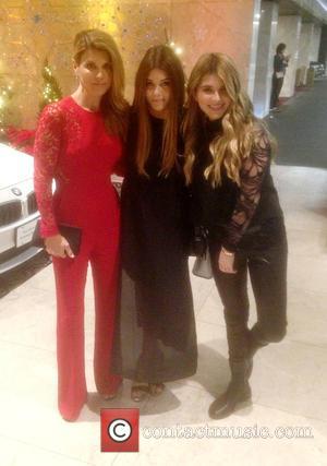 Lori Loughlin, Olivia Jade Giannulli , Isabella Rose Giannulli - Lori Loughlin with her daughters Olivia and Isabella at The...