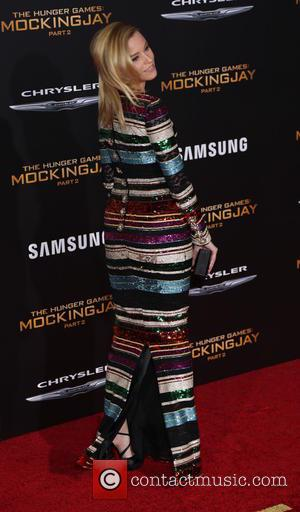 Elizabeth Banks - Los Angeles premiere of 'The Hunger Games: Mockingjay - Part 2' at the Microsoft Theater - Arrivals...