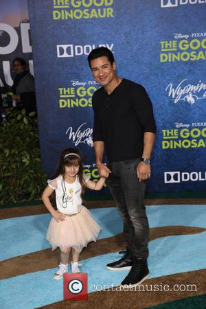 Mario Lopez - Los Angeles premiere of 'The Good Dinosaur' at the El Capitan Theatre - Arrivals - Los Angeles,...