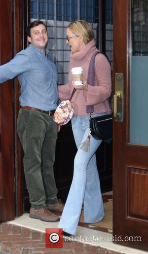 Kate Hudson - Kate Hudson leaving her hotel in New York - Manhattan, New York, United States - Thursday 19th...