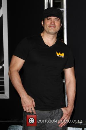 Robert Rodriguez To Direct Escape From New York Remake - Report