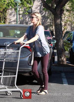 Amy Smart - Amy Smart goes shopping at Bristol Farms in Beverly Hills at Bristol Farms - Los Angeles, California,...