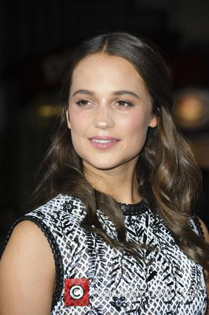 Alicia Vikander - Los Angeles premiere of Focus Features' 'The Danish Girl' - Arrivals - Los Angeles, California, United States...