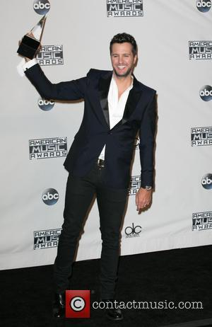 Luke Bryan - Celebrities attend 2015 American Music Awards at Microsoft Theater. at Microsoft Theater, American Music Awards - Los...