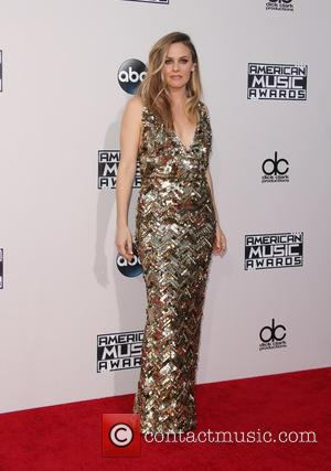 Alicia Silverstone - The 2015 American Music Awards (AMAs) - Arrivals at Microsoft Theater, American Music Awards - Los Angeles,...