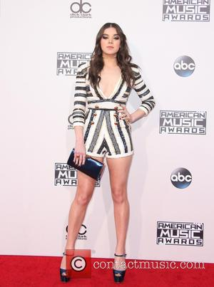 Hailee Steinfeld - 2015 American Music Awards (AMAs) - Arrivals at Microsoft Theater, American Music Awards - Los Angeles, California,...