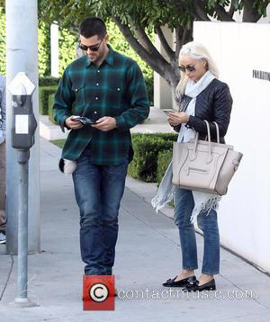 Cara Santana , Jesse Metcalfe - Cara Santana and Jesse Metcalfe out on a romantic shopping spree - Los Angeles,...