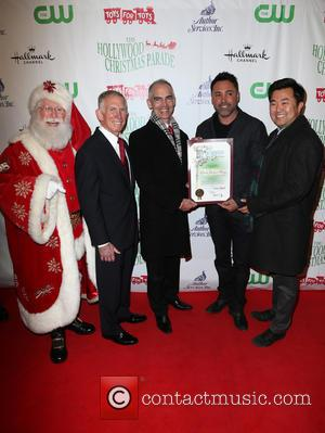 Pete Osman, Santa, Mitch O'farrell, Oscar De La Hoya and David E. Ryu
