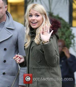 Holly Willoughby - Holly Willoughby outside ITV Studios - London, United Kingdom - Monday 30th November 2015
