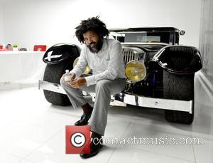 Elo - Jimmy Jean-Louis visits Elo's Miami Supercar Rooms at Art Basel Miami Beach at Miami Supercar Rooms - Miami,...
