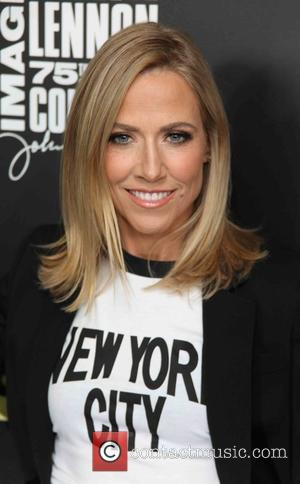 Sheryl Crow Returns To Old High School For Surprise Donation