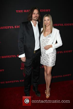 Mira Sorvino , Christopher Backus - Premiere of The Weinstein Company's 'The Hateful Eight' at ArcLight Cinemas Cinerama Dome -...