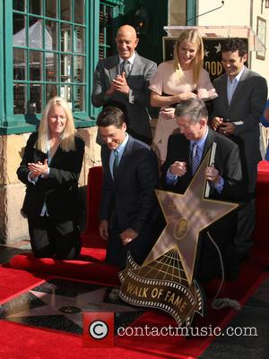 Rob Lowe, Tom Barrack, Gwyneth Paltrow, Fred Savage, Leron Gubler and Maureen Schultz