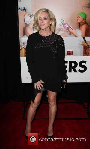 Jane Krakowski - New York premiere of 'Sisters' at Ziegfeld Theater - Arrivals at Ziegfeld Theater - New York City,...