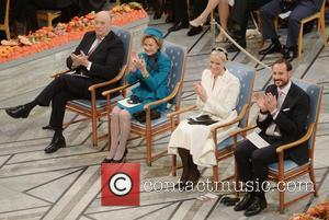 Kinh Harald V, Queen Sonja, Norwegian Crown Princess Mette Marit and Crown Prince Haakon