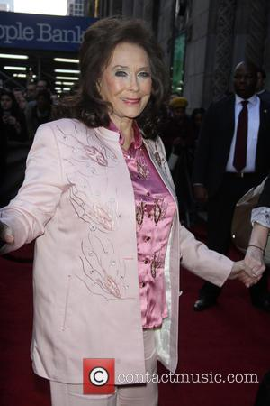 Loretta Lynn Feared Death After First And Last Marijuana Hit