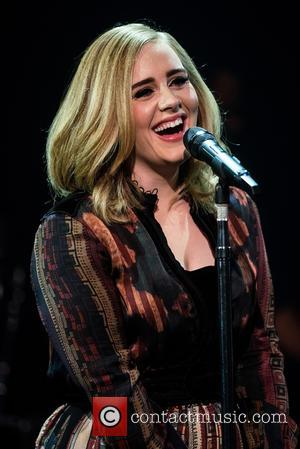 Adele Wows At Surprise Gig In L.a.