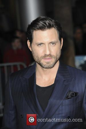 Edgar Ramirez - Premiere of Warner Bros. Pictures And Alcon Entertainment's 'Point Break' at TCL Chinese Theatre - Los Angeles,...