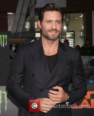 Edgar Ramirez - The Los Angeles premiere of 'Point Break' at the TCL Chinese Theater - Arrivals at TCL Chinese...