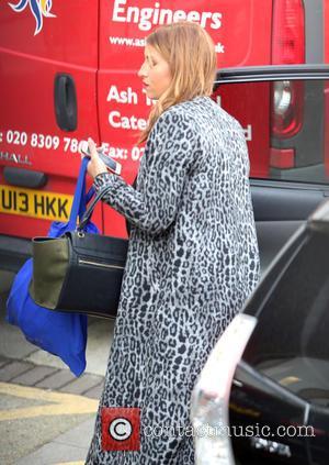 Ferne McCann - Ferne McCann outside ITV Studios - London, United Kingdom - Friday 18th December 2015