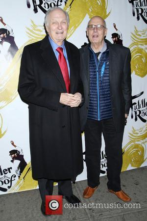Alan Alda and Jeffrey Tambor